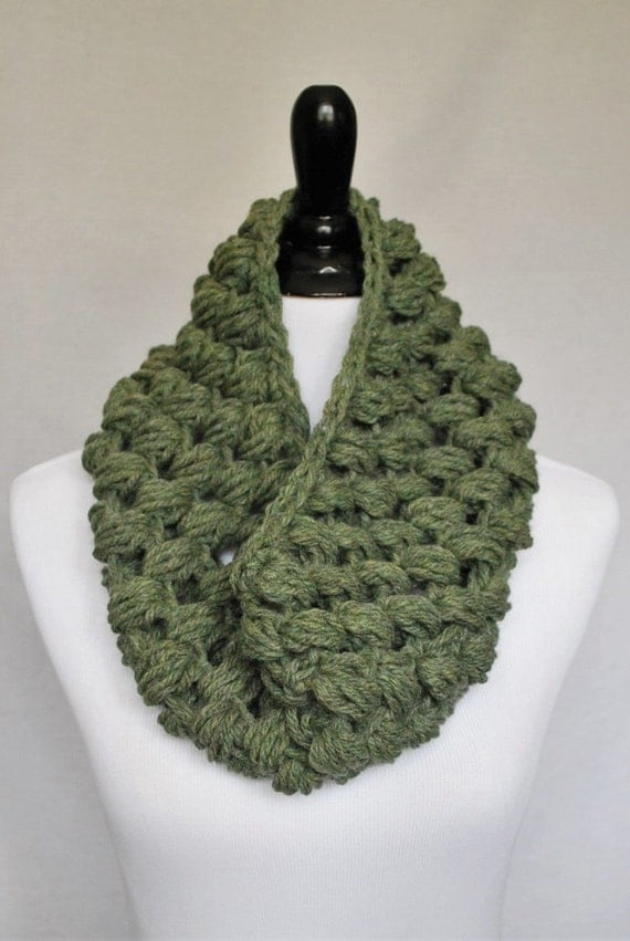 Green Crochet Cowl, Sage Green Puff Stitch, Chunky Crochet Cowl, Bobble Neck Warmer, Infinity Scarf - Moss, Sage, Giant Bobble