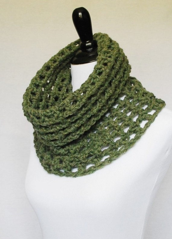 Green Crochet Mesh Cowl, Army Green Neck Warmer, Moss Green Short Infinity Scarf, Sage Green Cowl