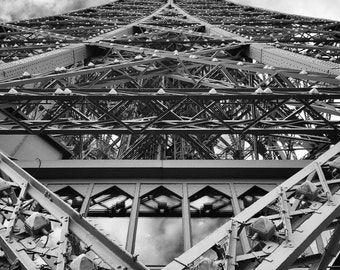 different view of the Eiffel Tower 2