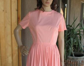 Vintage Peach Shirtwaist Dress, 1950s 50s Shirt Dress, Handmade Cotton Day Dress, Pleated Skirt Dress, Rockabilly