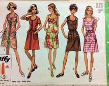 1970s shift dress Simplicity 8872 vintage sewing pattern Bust 32.5 Waist 24 Hip 34.5 Retro 70s zip front and tie belt Mad Men preppy style