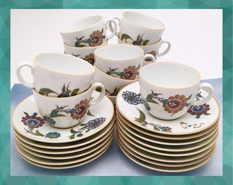 Set of 14 Royal Worcester English Bone China Tea Cups and Saucers in 'Palmyra', Bride of the Desert, Pattern, ca. 1970-1978