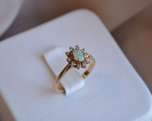 Sweet and charming vintage 10kt yellow gold opal cluster ring, Vintage opal ring, Vintage gold ring