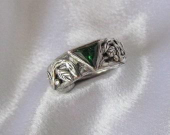 Item 155- Handcrafted, sculpted, carved  999 Fine and 925 Sterling Silver Ring with Triangle Green Emerald Cubic Zirconia Size 7