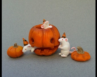 Halloween Ratty Jack-o-Lantern Sculpted Miniature Display Polymer Clay Pumpkin Figurine Scene Autumn Fall Animal Pet Holiday Mouse