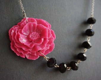 Statement Necklace,Hot Pink Necklace,Black Necklace,Hot Pink Flower Necklace,Poppy Necklace,Bridesmaid Gift,Beaded Necklace,Gift For Her