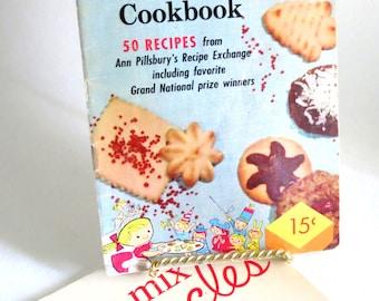 Vintage Cook Booklets -  Retro Recipes,  Kitschy 1950s Pamphlets - Lot of 3 - Ephemera Lot - Baking Lot