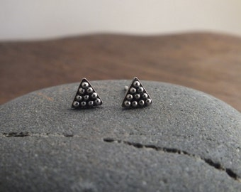 Tiny triangle stud earrings - tribal silver granulation earrings - geometric boho studs
