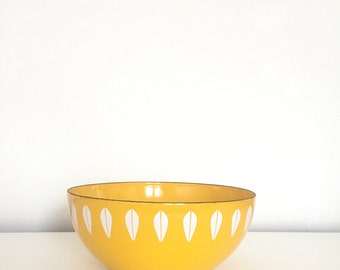 "BOWLED OVER. Vintage Cathrineholm of Norway 8"" Enamel BOWL  - White Lotus Pattern on Yellow - 1960's Enamelware - Iconic Mid Century Modern"