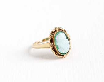 Sale - Vintage 10K Rosy Yellow Gold Green & White Hardstone Cameo Ring - Art Deco 1930s Size 7 Carved Chalcedony Unique Fine Jewelry
