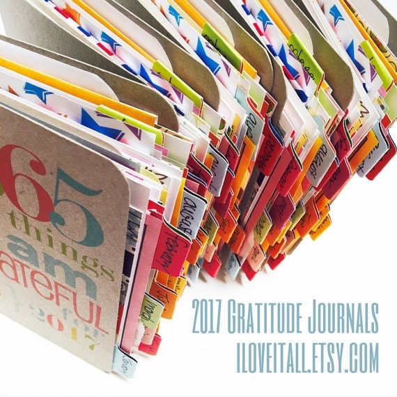 Gratitude Journal . 365 Things I Am Grateful For . Mixed Paper Mini Journal . Smash Book Devotional Daily Document Thankful Blessings Diary