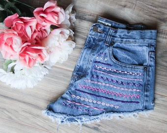 High waist vintage denim shorts | Aztec embroidered denim | High waisted denim shorts | Hipster shorts | Festival shorts | Bohemian shorts |