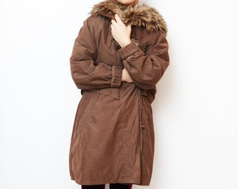 Vintage brown parka with fur hood // women 90s outerwear