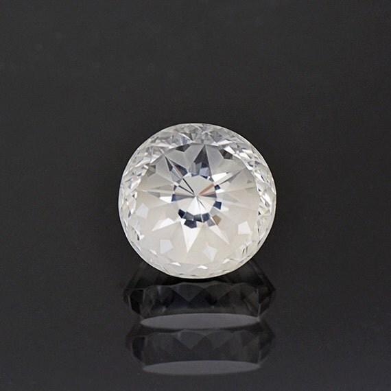 unique snowflake pattern white topaz gemstone from brazil