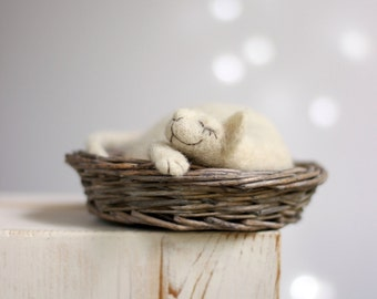 Needle Felted Cat In Basket - Dreamy White Cat In Basket - Needle Felted Cat Doll - Needle Felt Art Doll - Needle Felt Animals - OOAK Doll