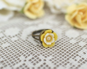 Adjustable Yellow Flower Ring