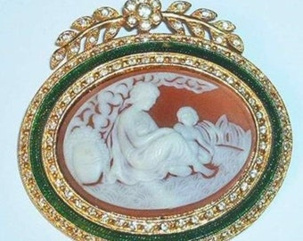 Joan Rivers Mother and Child Cameo Brooch - Green                    - S1592