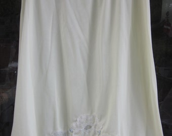 Buttercup Yellow Shadowline Half Slip with lace trim, size small