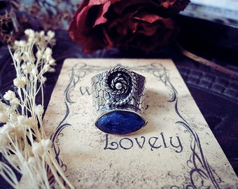 Saphire Ring, Silver Ring, Wicked Ring, Witchy, Saphire Crystal, Spiral Ring, Size 7.25