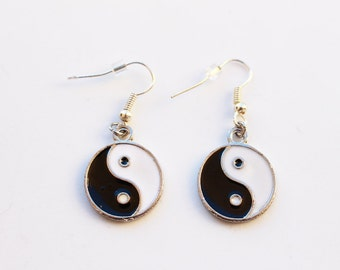 Yin Yang Earrings, Dangle Earrings,Ying Yang Earrings, Grunge Earrings, 90s Earrings, Tumblr
