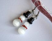 Christmas Earrings, Snowmen Earrings w Red Scarf,Cats Eye Bead Snowman Earrings, Holiday Jewelry, Winter Earrings, Free Shipping