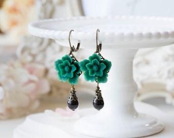 Emerald Green Earrings, Dark Green Flower Black Teardrop Pearl Dangle Earrings, Emerald Green Wedding, Leaverback Earrings, Gift for mom