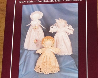Hickory Stick & Co H119 Linen Ladies Fabric Dolls Creative Soft Stuffed Dolls Made from Hand Towels Vintage 1980s Craft Sewing Pattern Uncut