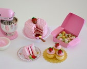 1:6 Scale Miniature Chocolate Covered Strawberry Cake Set in Play Scale for Blythe Barbie Momoko Fashion Doll Kitchen or Bakery