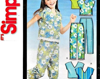 UNCUT -  EASY Girls' Separates Sewing Pattern - 2003 Simplicity 5504, Sizes 7, 8, 10, 12, 14, 16 - Capped-sleeved top, Capri Pants, Skirt