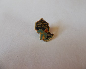 Law Enforcement Torch Run for Special Olympics 1992 Vintage Lapel Pin