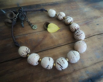 Chunky Necklace Statement, Natural Necklace, Boho Necklace, Bombona Beads, Waxed Linen Cord