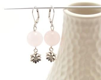 Rose quartz earrings, beaded earrings, stone earrings, gemstone earrings, flower earrings, natural stones, semi-precious stones