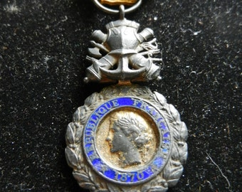 """WW1 French """"Medaille Militaire"""" Republic Francaise 1870 Medal"""
