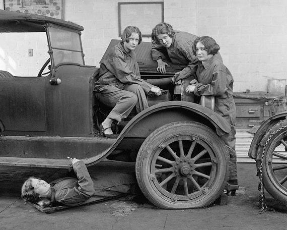 Jeune femme m canique automobile 1927 t l charger digital - Garage des etoiles montigny les cormeilles ...