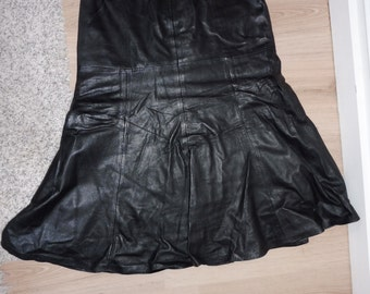 Size 34 leather skirt