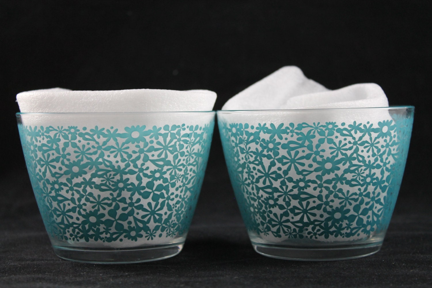 very cute ikea glass bowls set of 2 by shakerstropsandmoore. Black Bedroom Furniture Sets. Home Design Ideas