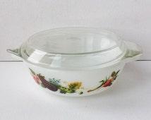 "Vintage JAJ Pyrex ""Tuscany / Market Garden "" One Pint Casserole Dish with Lid, Vegetables Design, 1970s, J A Jopling, England, 00710"