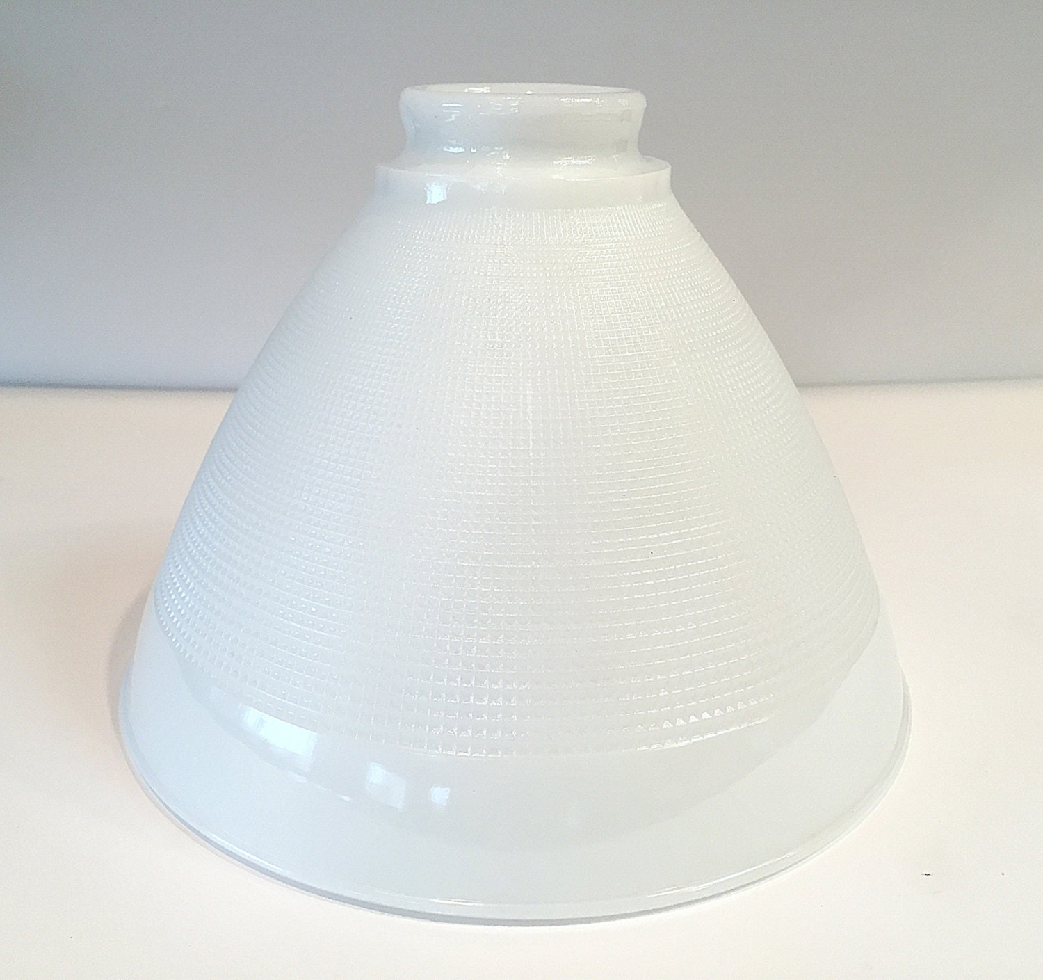 replacement milk glass lamp shade vintage textured. Black Bedroom Furniture Sets. Home Design Ideas