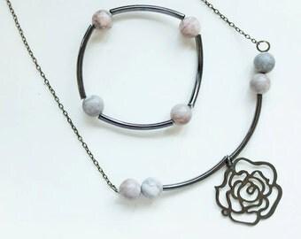 Set of necklace and a bracelet