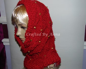 Studded snood