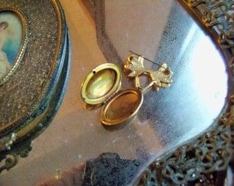 Gold vintage inspired locket