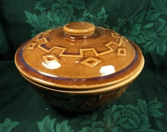 Brown Stoneware Casserole Dish, Diamond Pattern, Rustic Country Kitchen