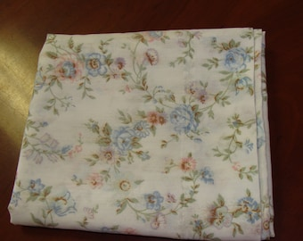 Shabby Chic Pillowcase/Roses/Vintage
