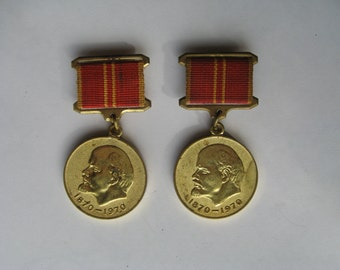 Vintage Soviet medals of 2 pieces.