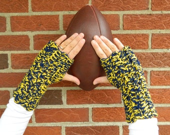 Michigan Gloves, U of M Fingerless Gloves, Wrist Warmers, Texting Gloves, Maize and Blue