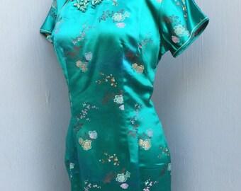 Vintage CHEONGSAM / Green Satin Cheongsam / Asian Wiggle Dress, 36 bust