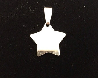 Star pendant with possibility of custom engraving