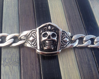 Steel skull chain bracelet imprisoned