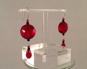 dangle red star cut glass earrings