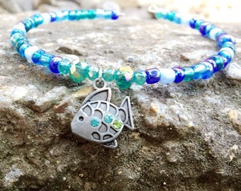 Beaded fish charm bracelet/beaded bracelet/charm bracelet